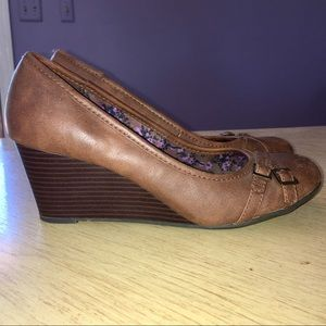 Brown American Eagle Wedges Women's Size 8.5